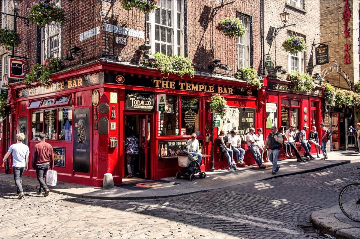red walled pub in dublin ireland