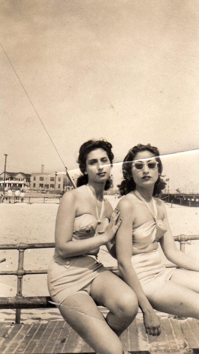 1940s women on beach in bikinis