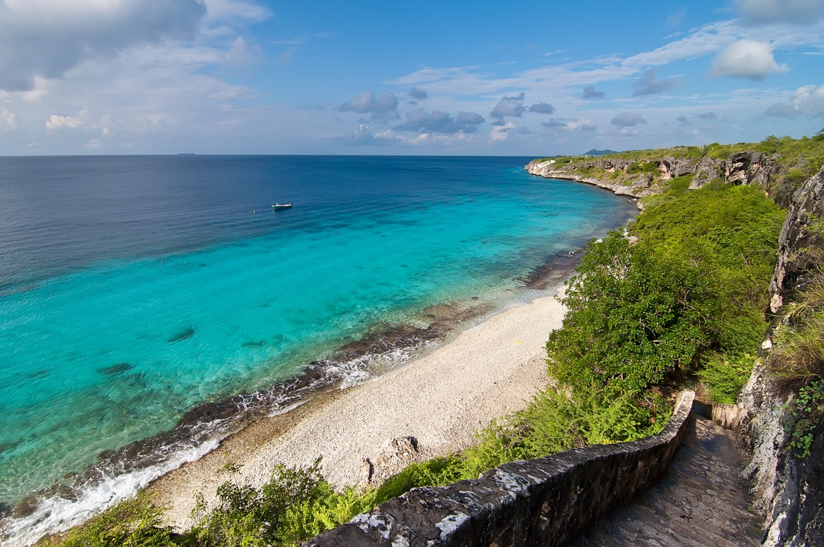 coastal view of the beach and thousand steps on bonaire island