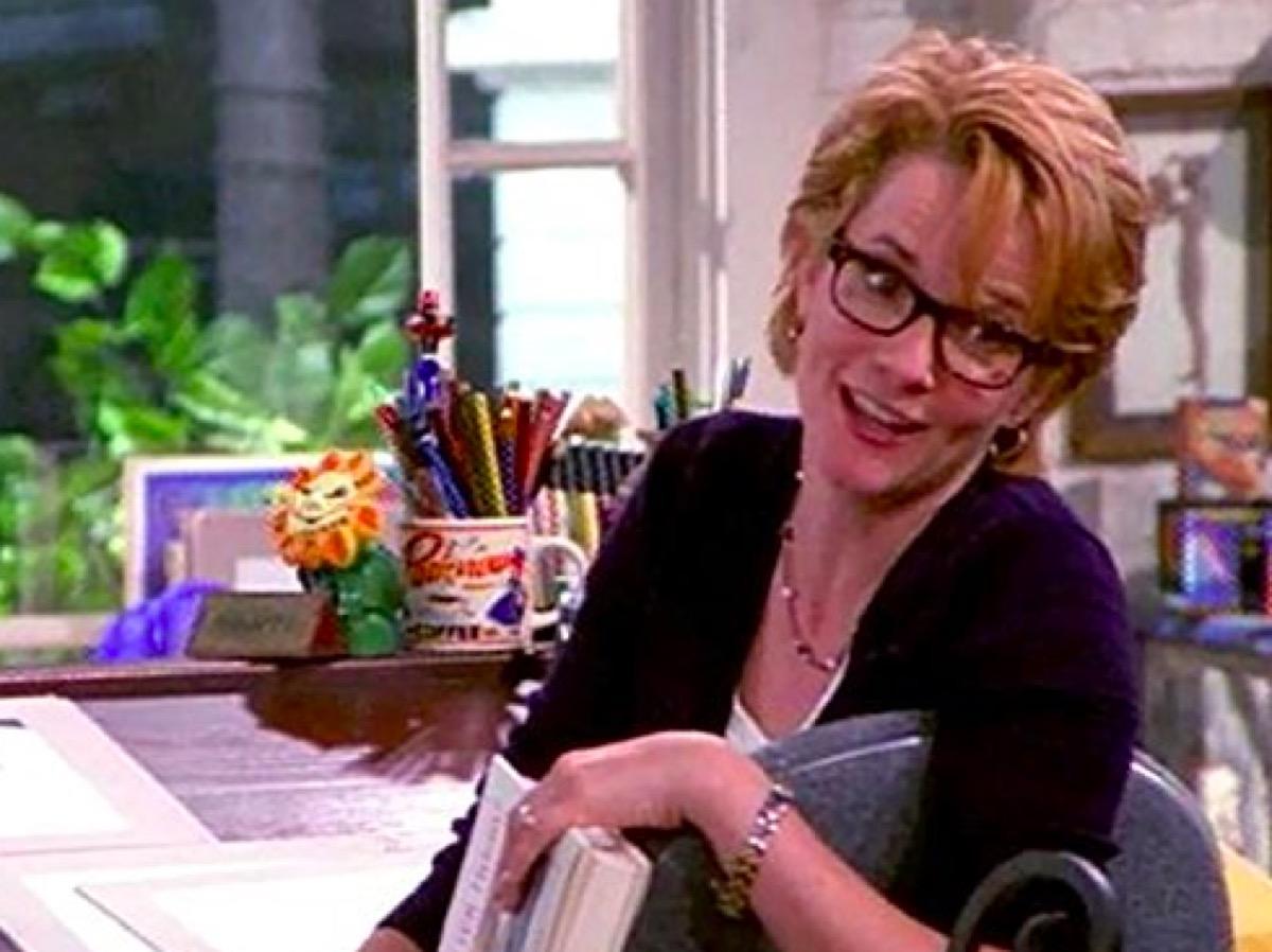 Lea Thompson in Caroline in the City