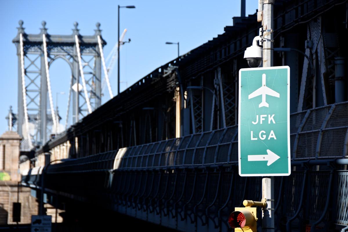 signs of jfk and laguardia airport