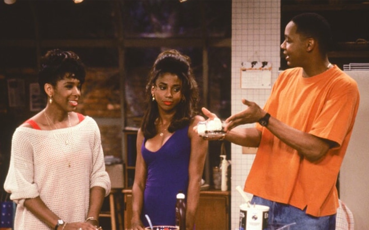 Dawnn Lewis, Holly Robinson Peete, and Mark Curry in Hangin' with Mr. Cooper