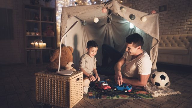 Father son blanket fort