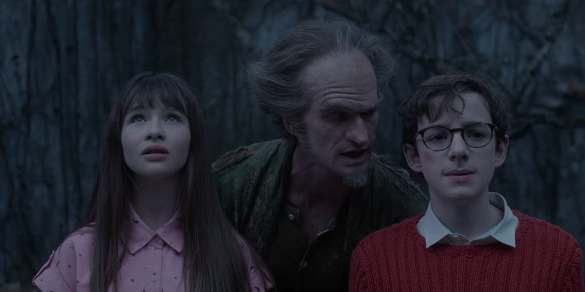 Malina Weissman, Neil Patrick Harris, and Louis Hynes in A Series of Unfortunate Events