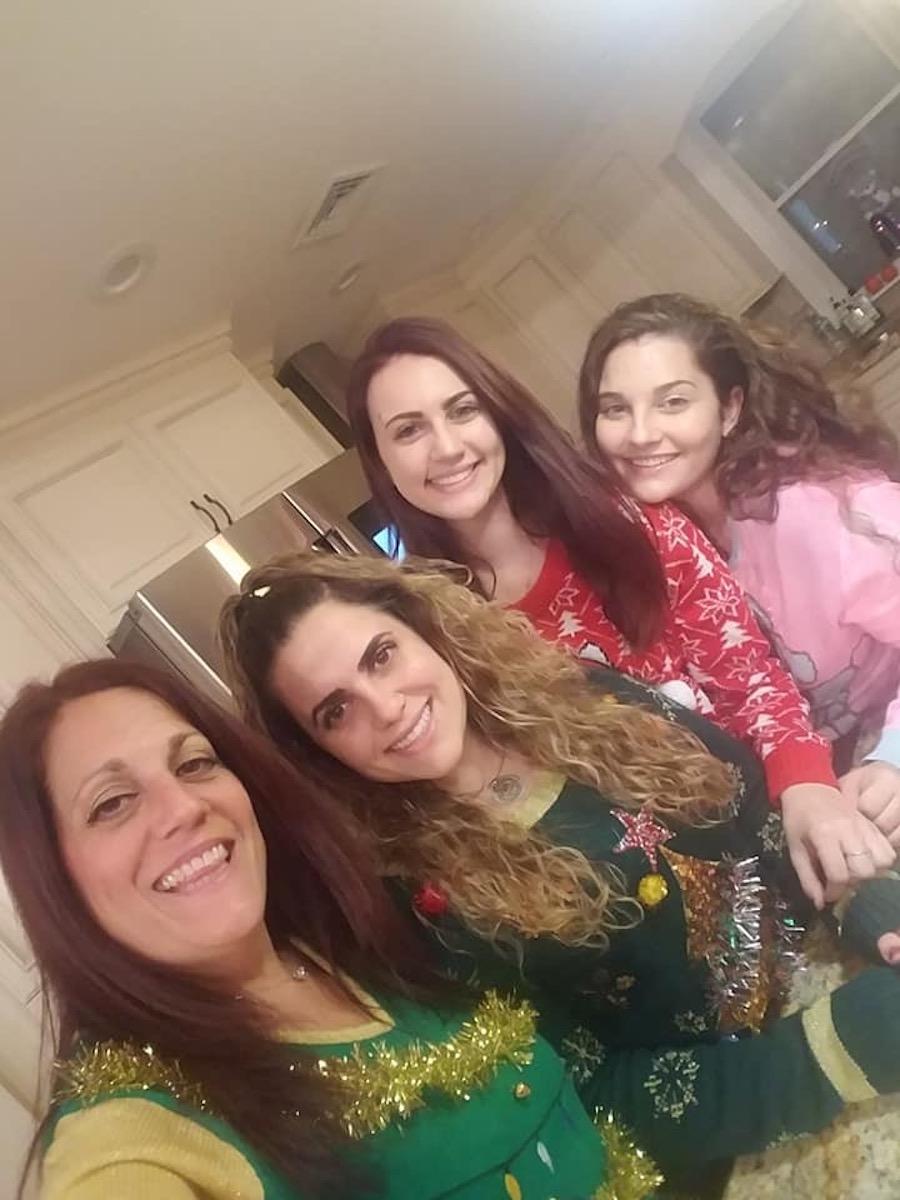 Amanda Bono with her mom and sisters