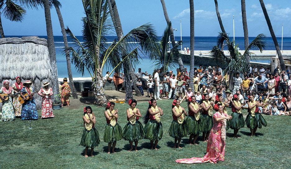 hula dancers in 1966