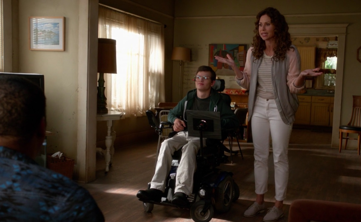 Micah Fowler and Minnie Driver in Speechless