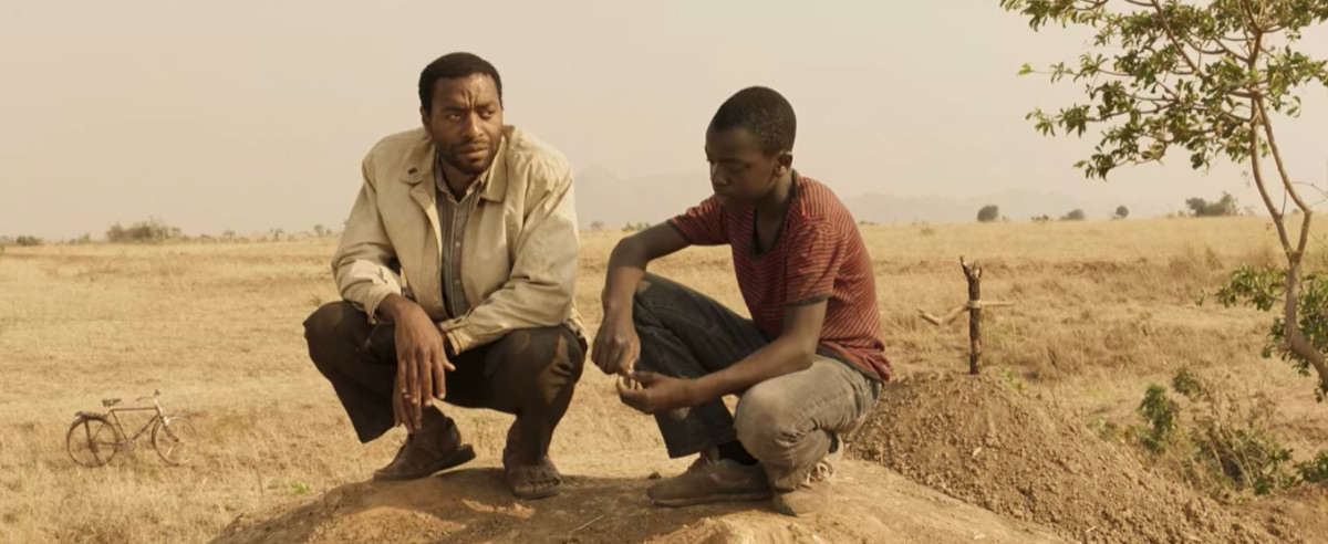 Chiwetel Ejiofor and Maxwell Simba in The Boy Who Harnessed the Wind