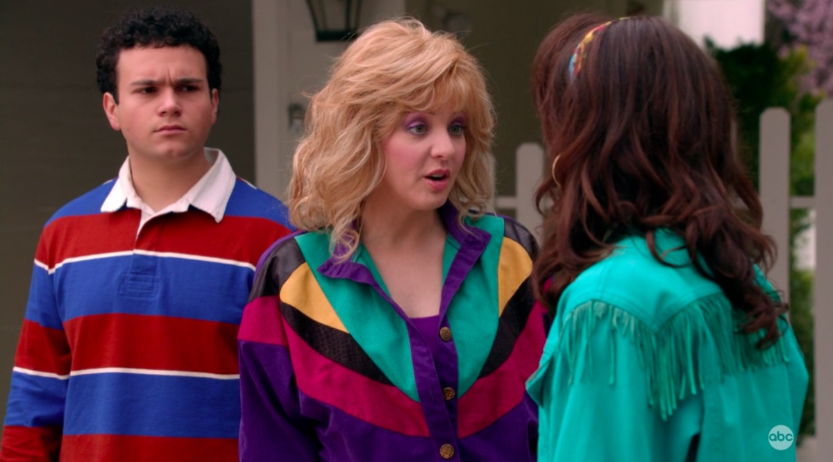 Tony Gentile, Wendi McLendon-Covey, and Hayley Orrantia in The Goldbergs