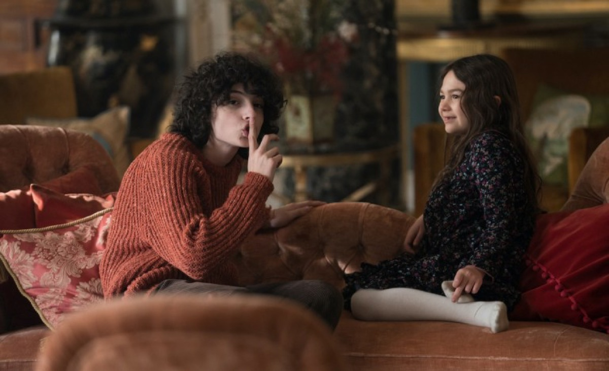 Finn Wolfhard and Brooklynn Prince in The Turning