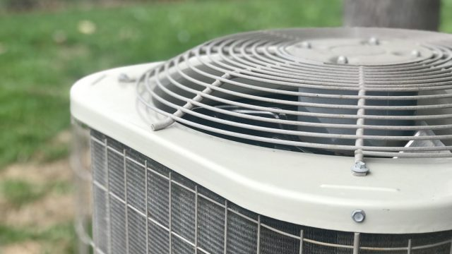 An air conditioning unit