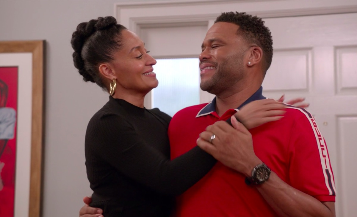 Tracee Ellis Ross and Anthony Anderson in black-ish
