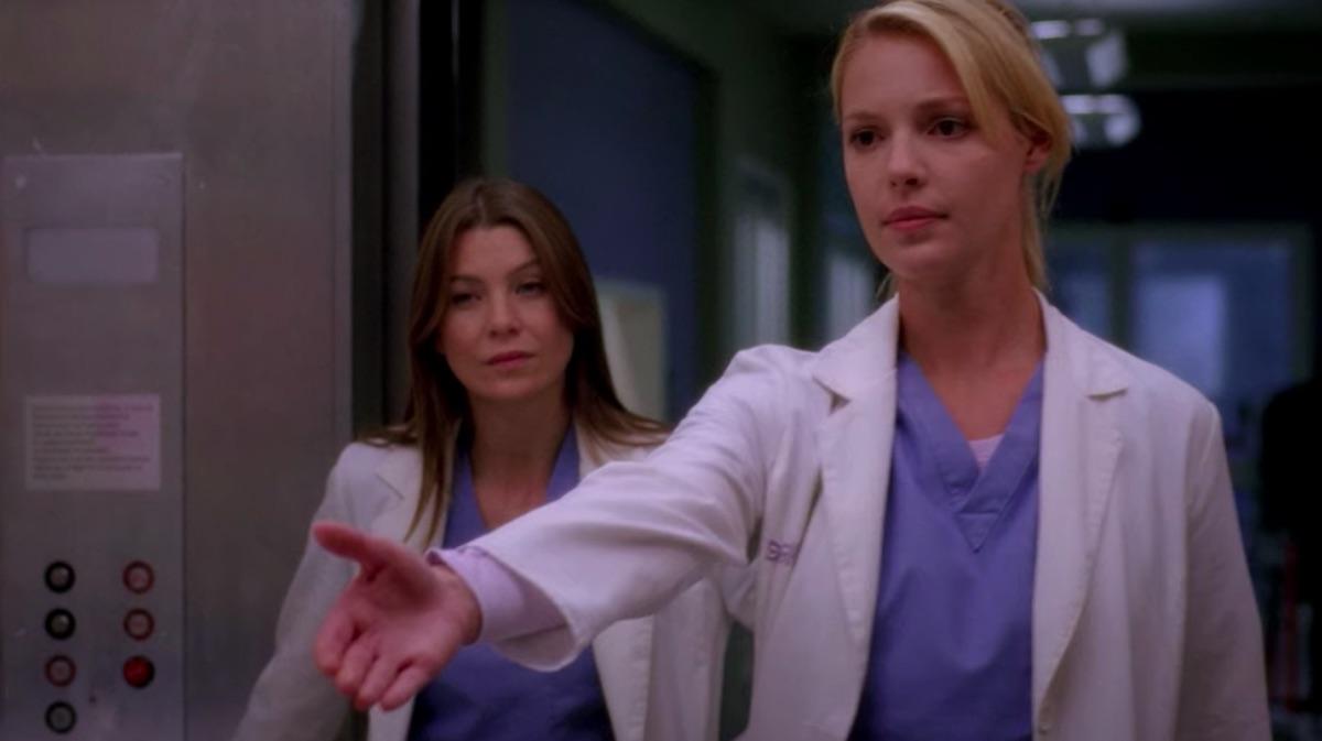 Ellen Pompeo and Katherine Heigl in Grey's Anatomy