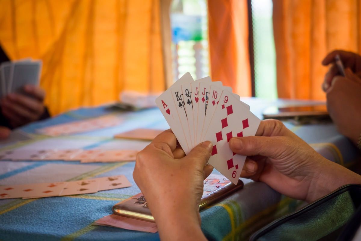 Playing rummy