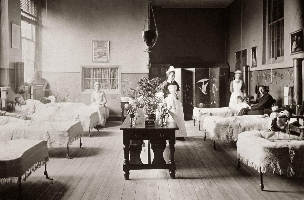 Victorian hospital ward during the Russia flu