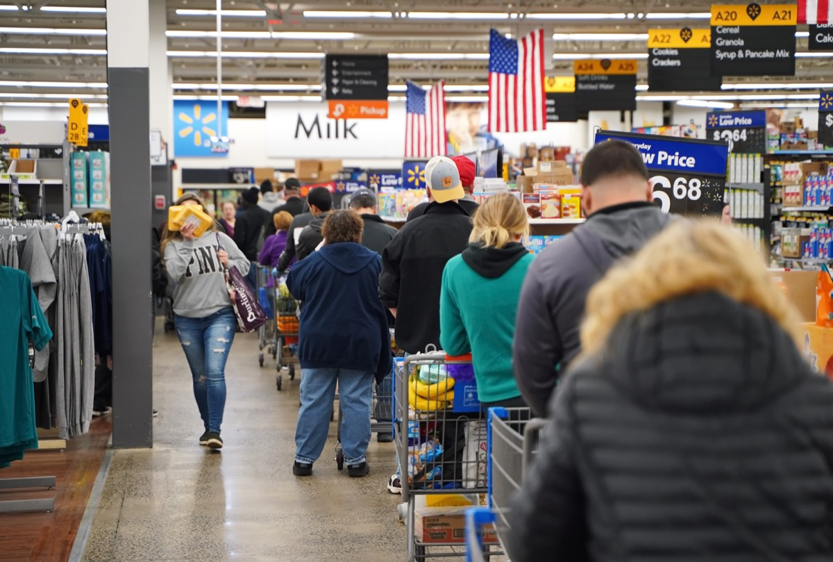 busy walmart checkout line