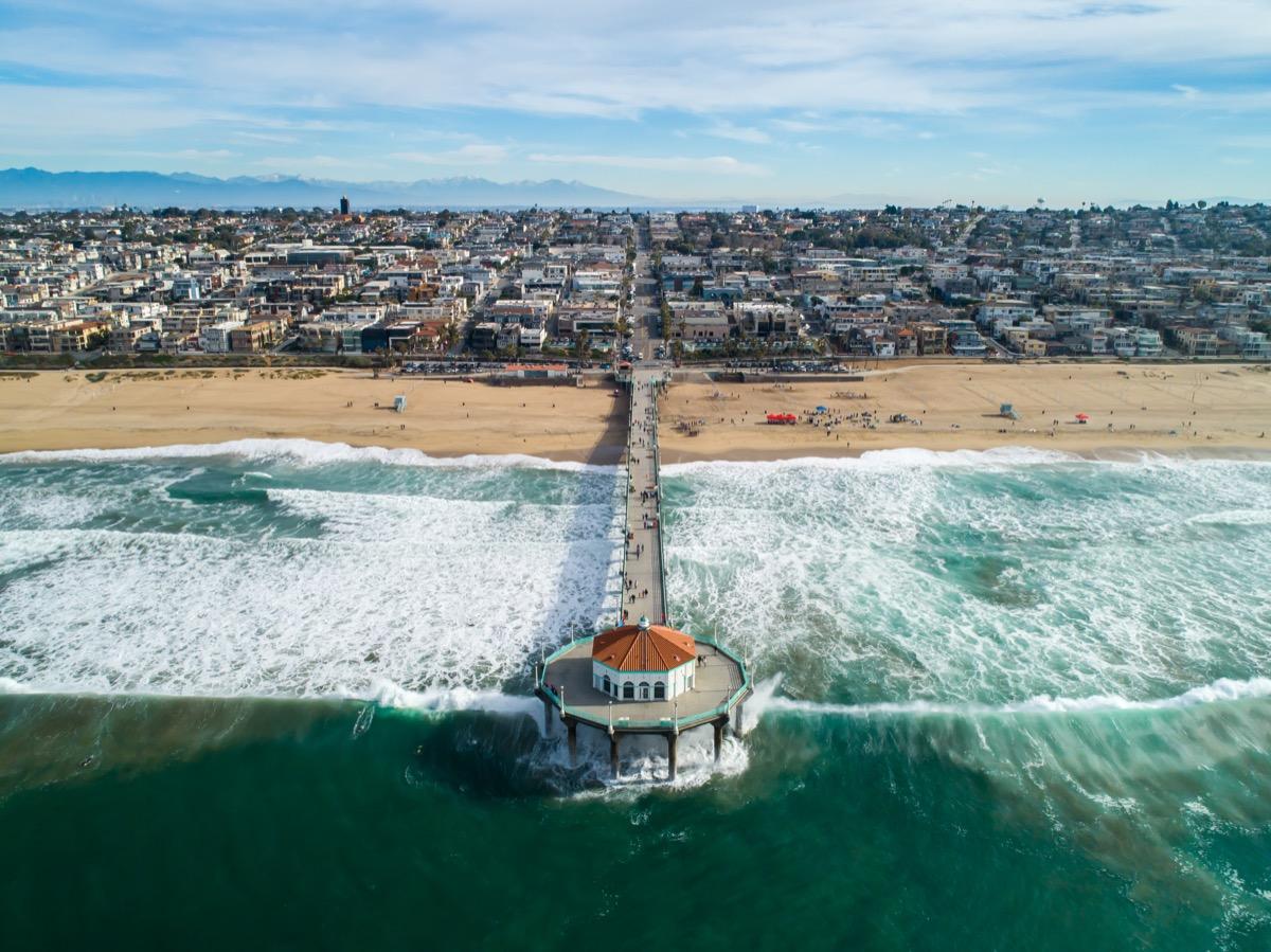 Aerial photo of the Manhattan Beach California pier