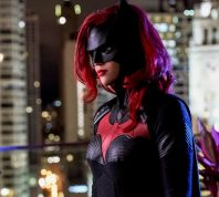 ruby rose in costume as batwoman on batwoman
