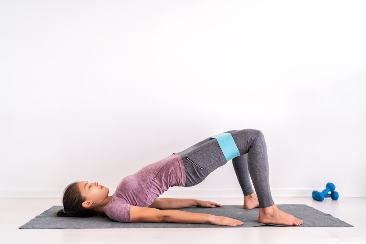 Mini band glute activation