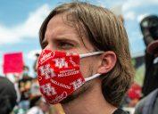 man wearing houston themed mask