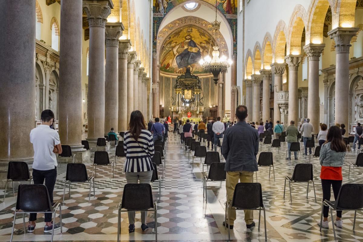 Church social distancing