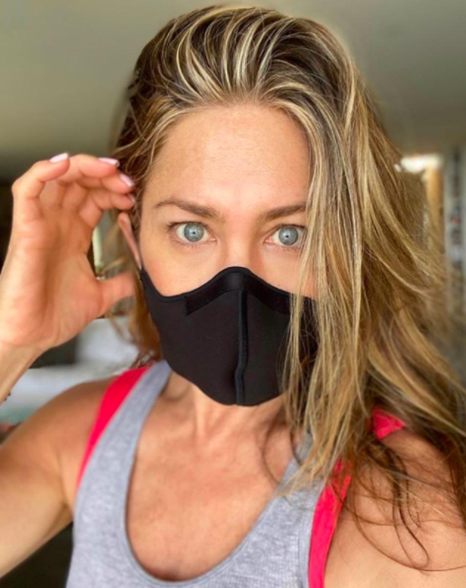 Jennifer Aniston mask selfie Instagram