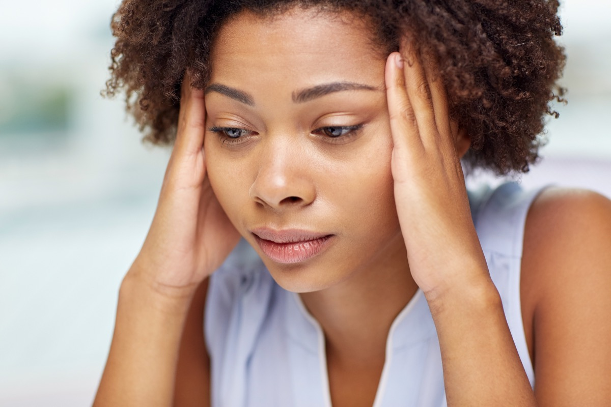 Woman experiencing delirium from coronavirus