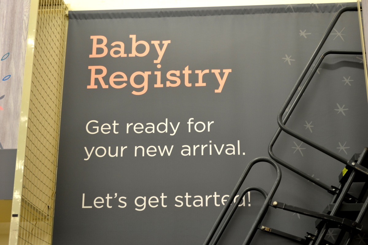 baby registry sign in store