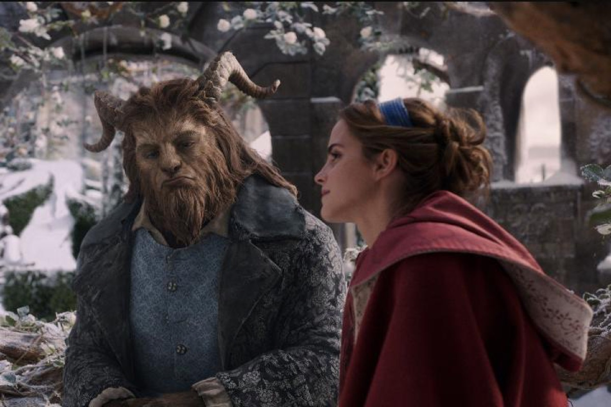 still from the 2017 beauty and the beast
