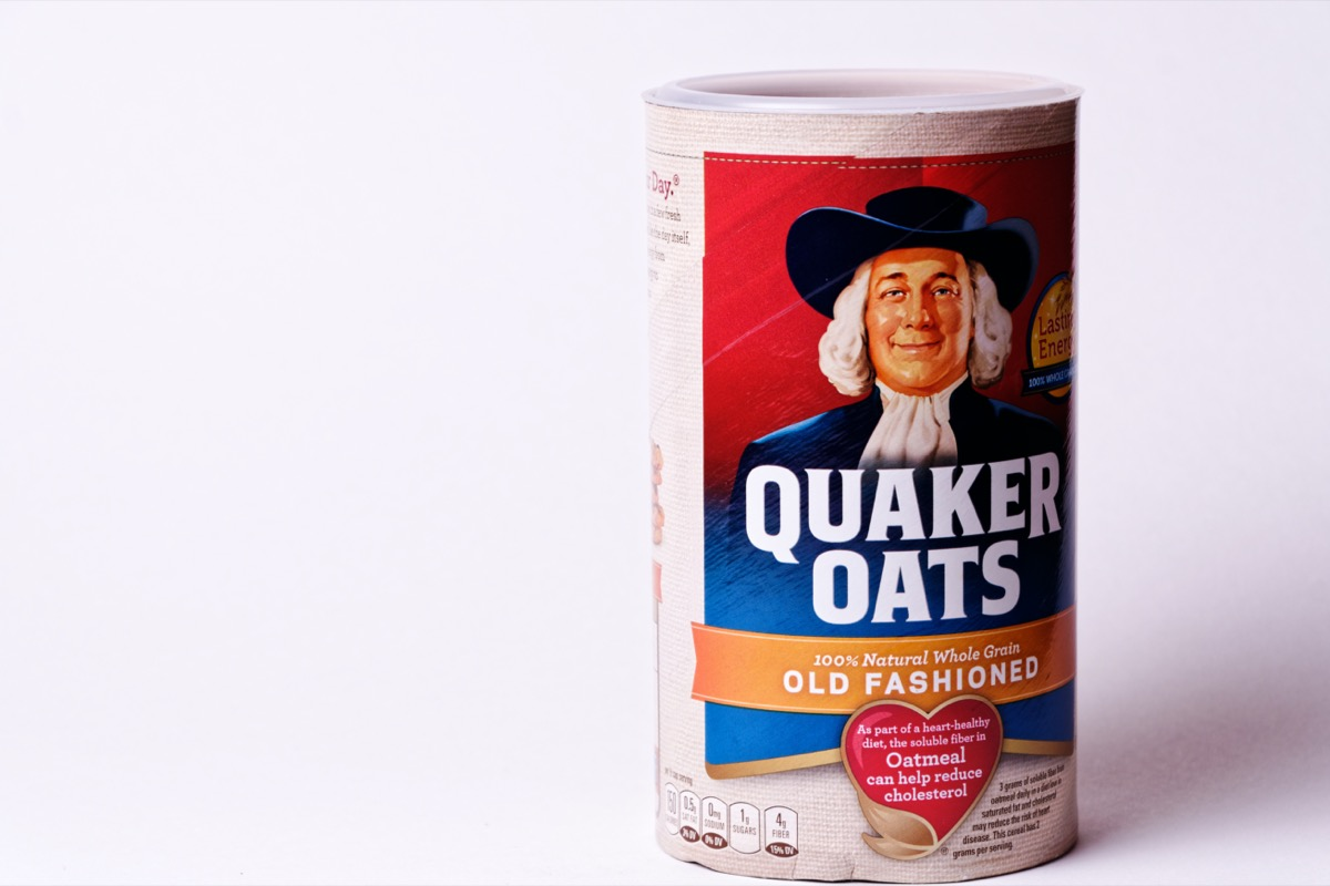 container of quaker oats