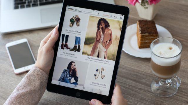 Woman shopping amazon