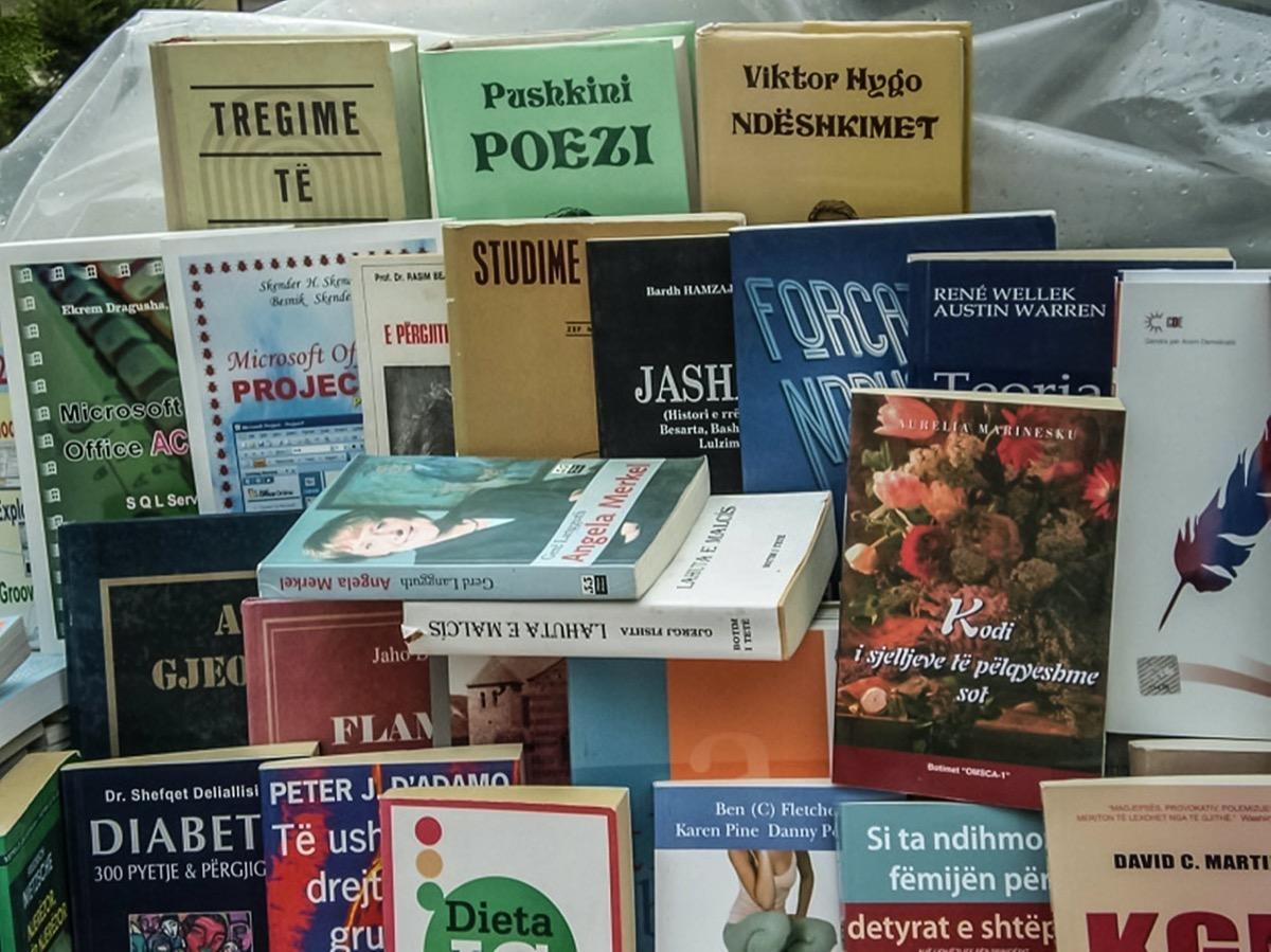 Albanian books street sale