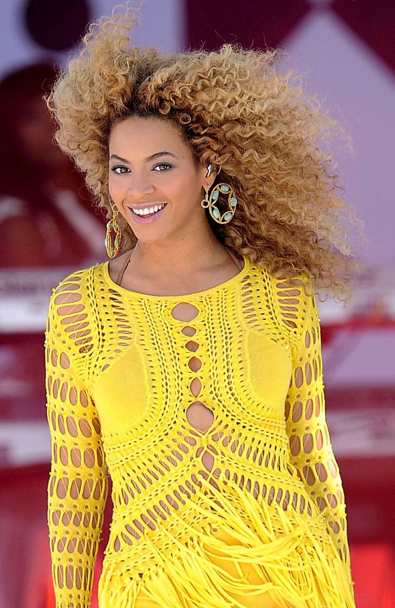 Beyonce in yellow crochet dress