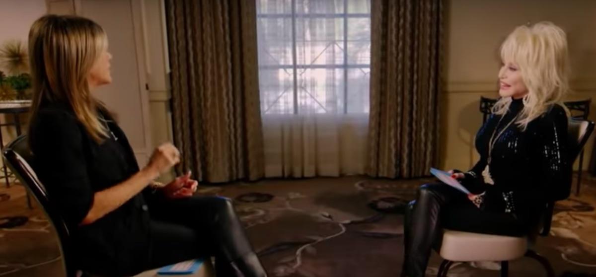 Jennifer Aniston interviewing Dolly Parton