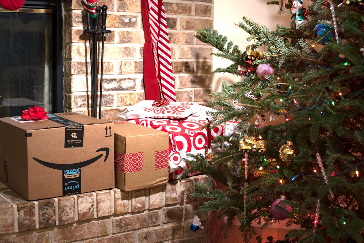 amazon holiday packages under tree