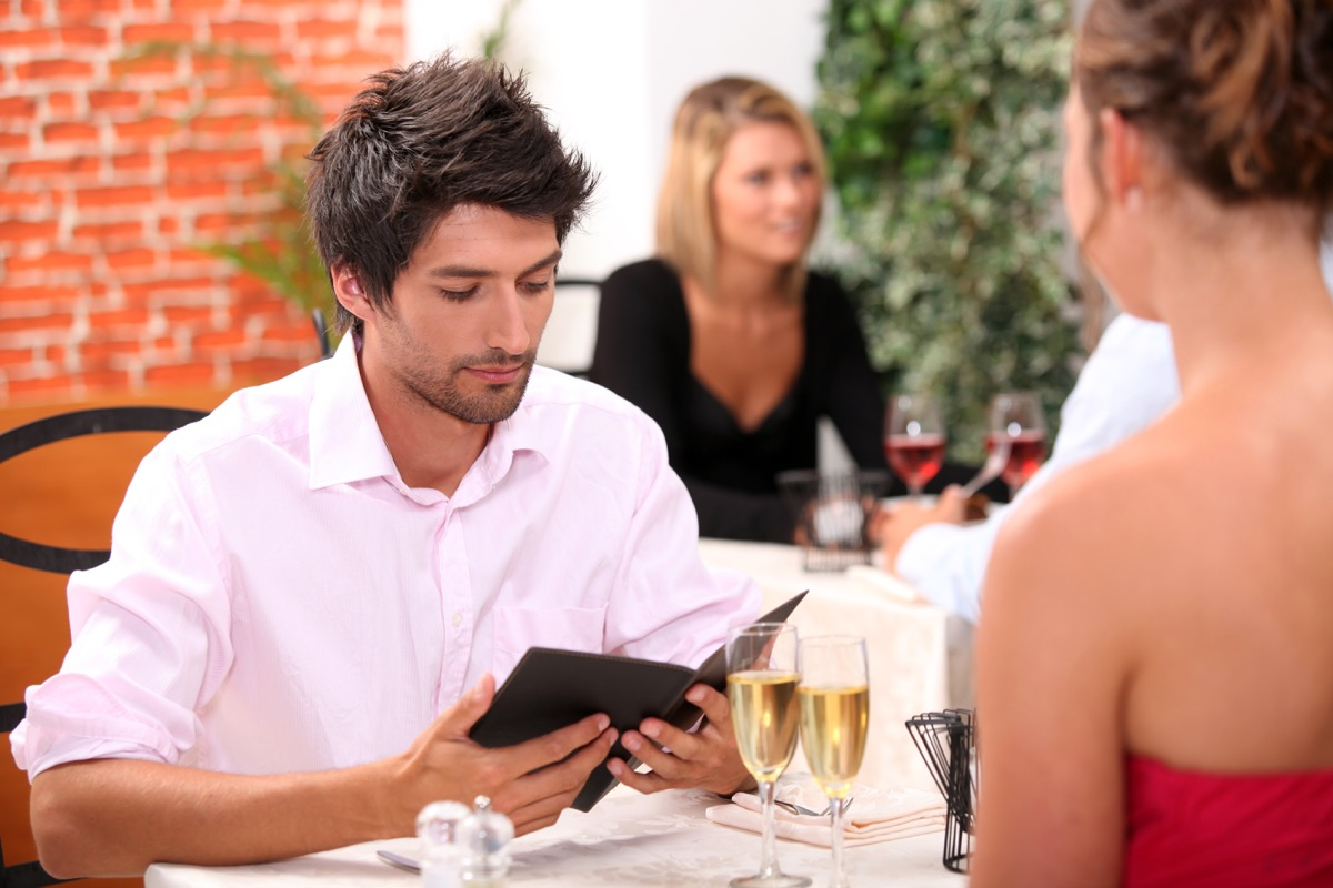 Man paying for a date