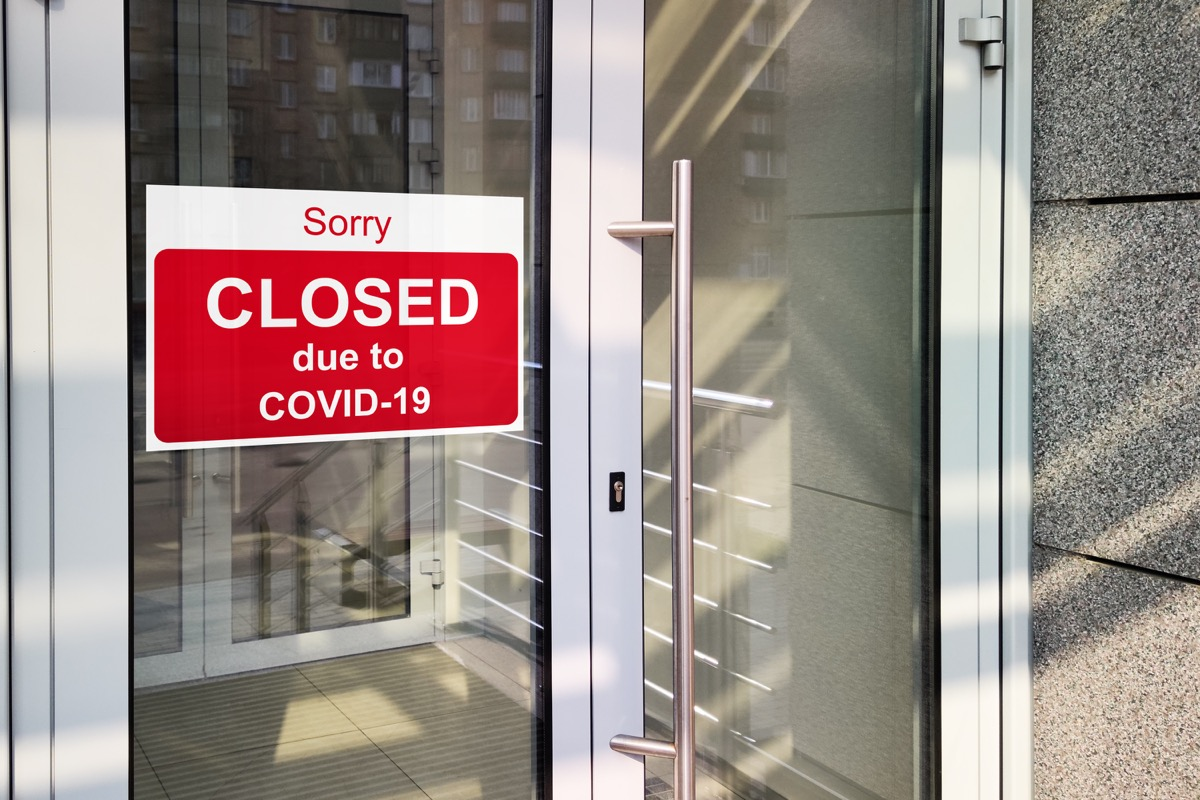Closed due to COVID sign