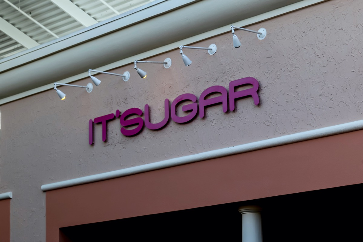 it'sugar candy store exterior