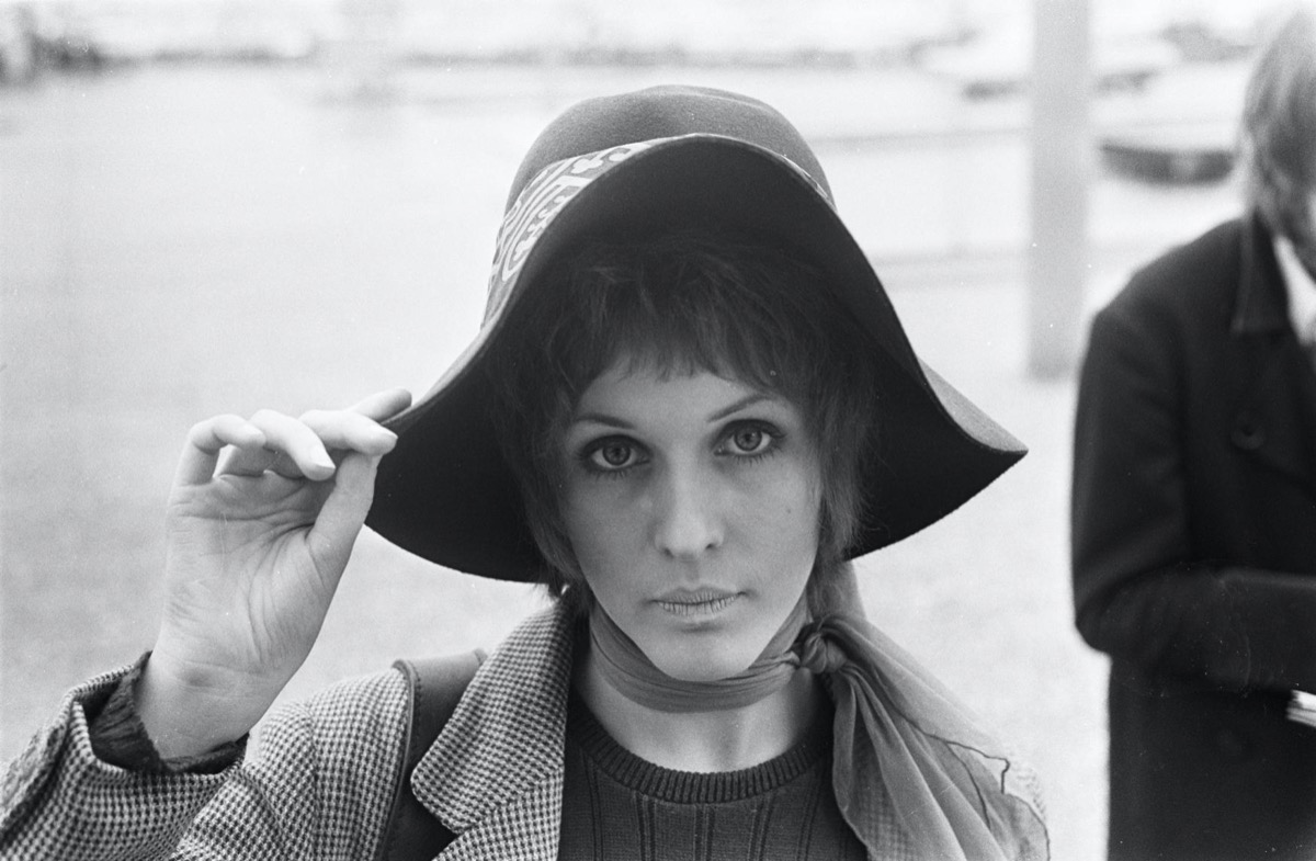julie driscoll black and white photo in hat