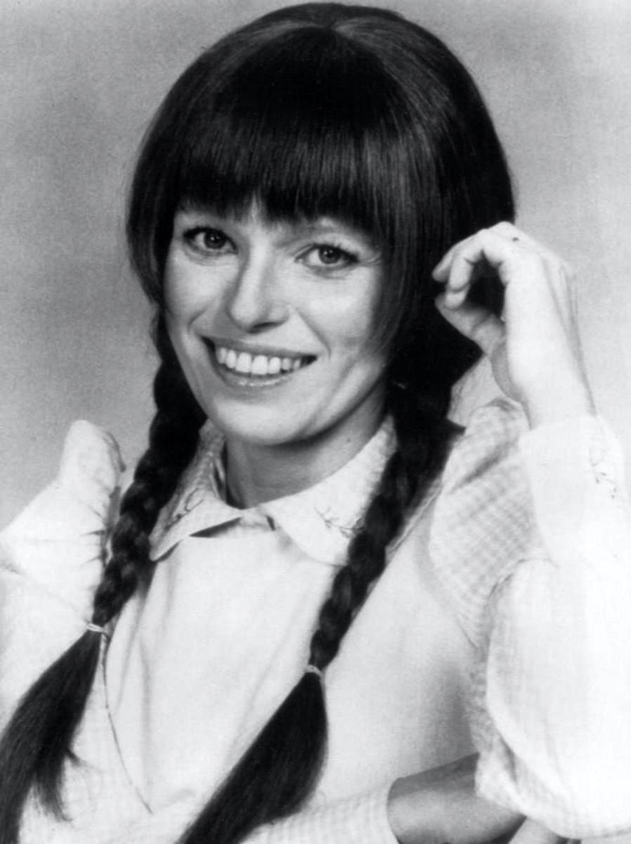 black and white photo of louise lasser