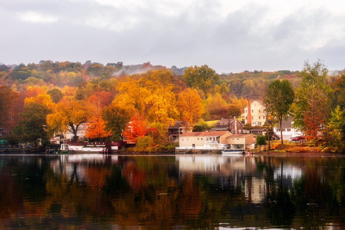 landscape photo of Shelton, Connecticut in the morning