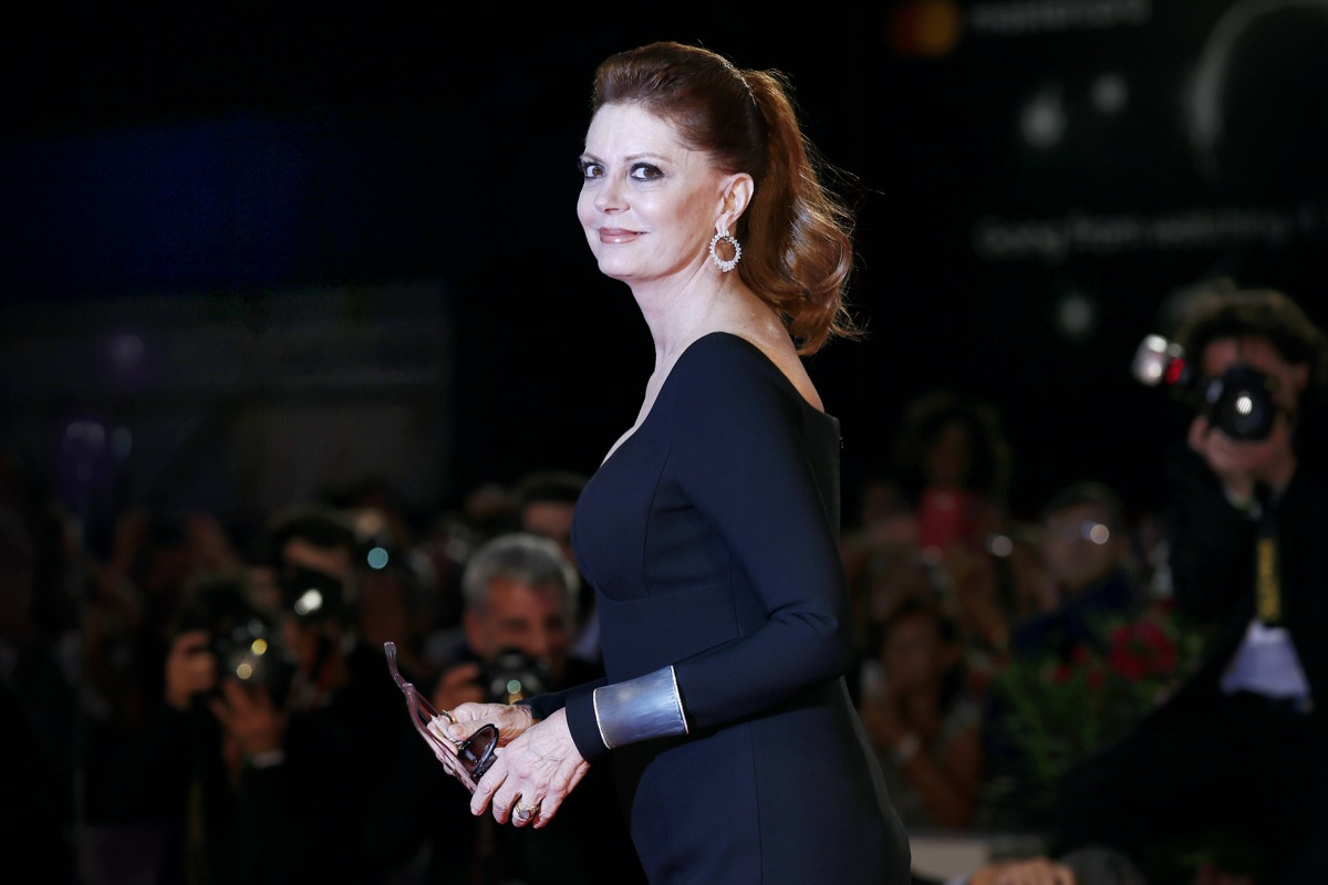Susan Sarandon wears a black dress at the premiere of 'Victoria and Abdu'l in 2017