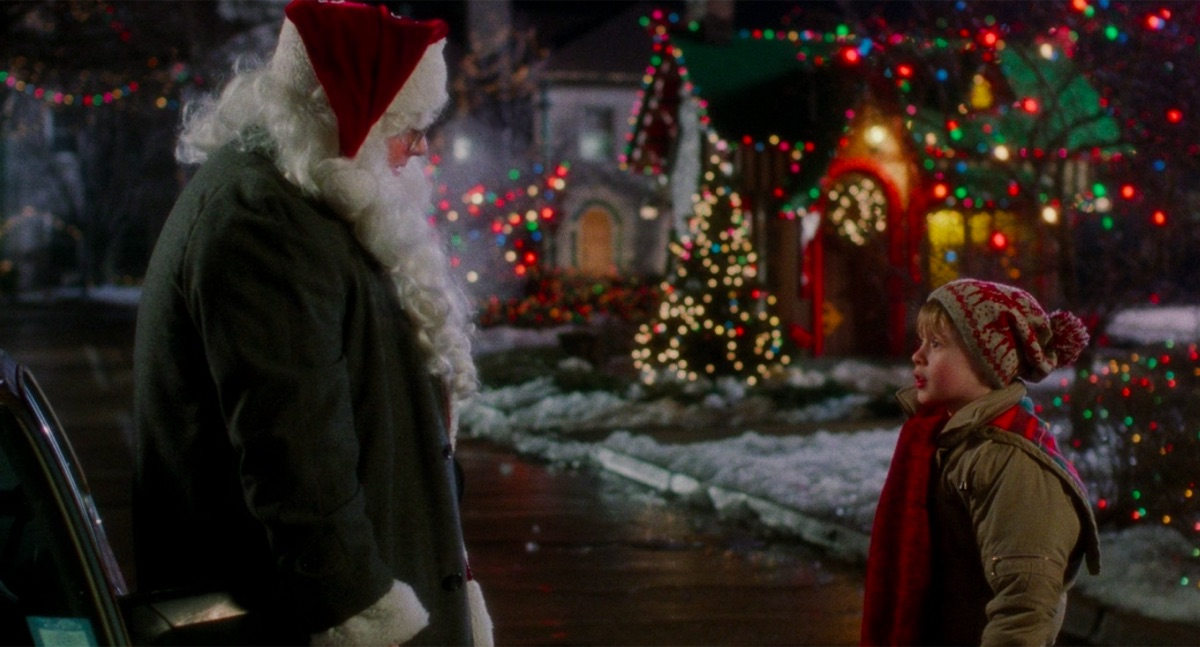 Ken Hudson Campbell and Macaulay Culkin in Home Alone