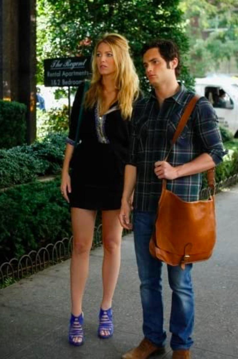 Blake Lively and Penn Badgley in gossip girl