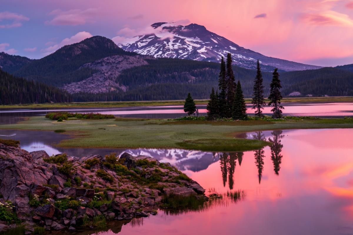 glaciers, lake, and tress in Deschutes County, Oregon