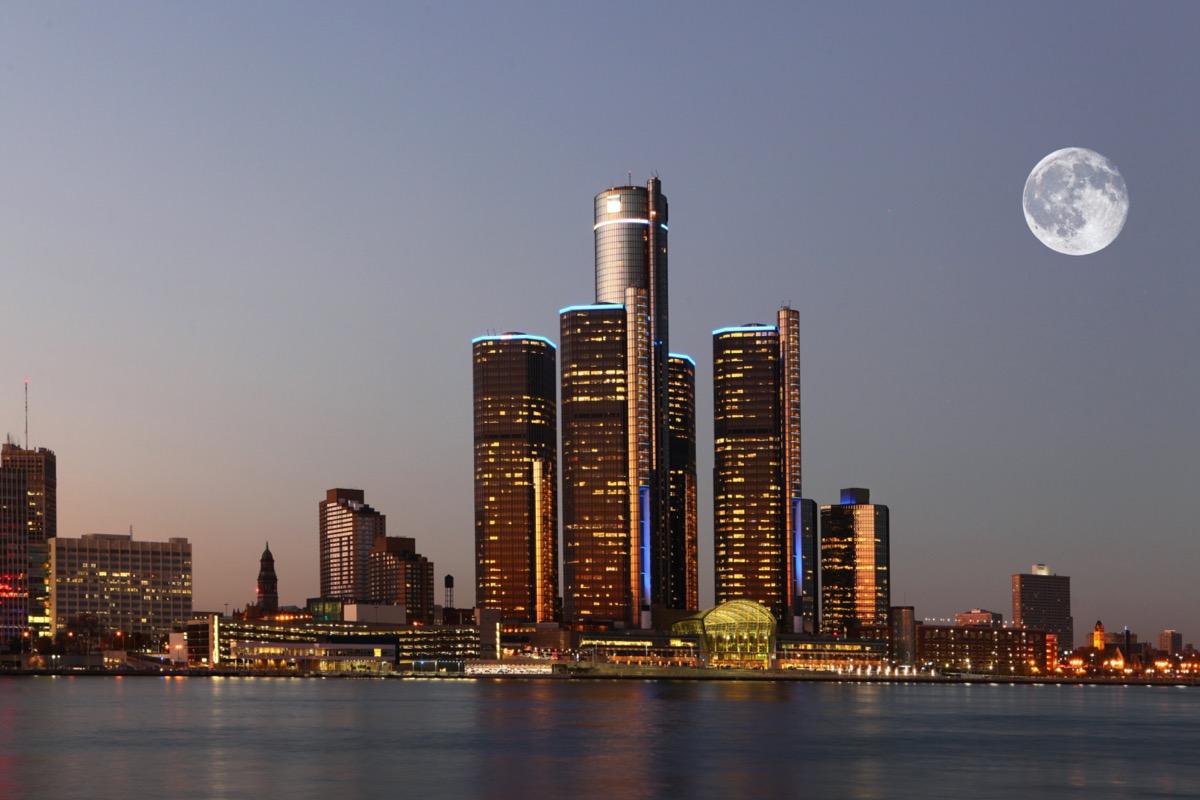 cityscape photo of Detroit, Michigan at night