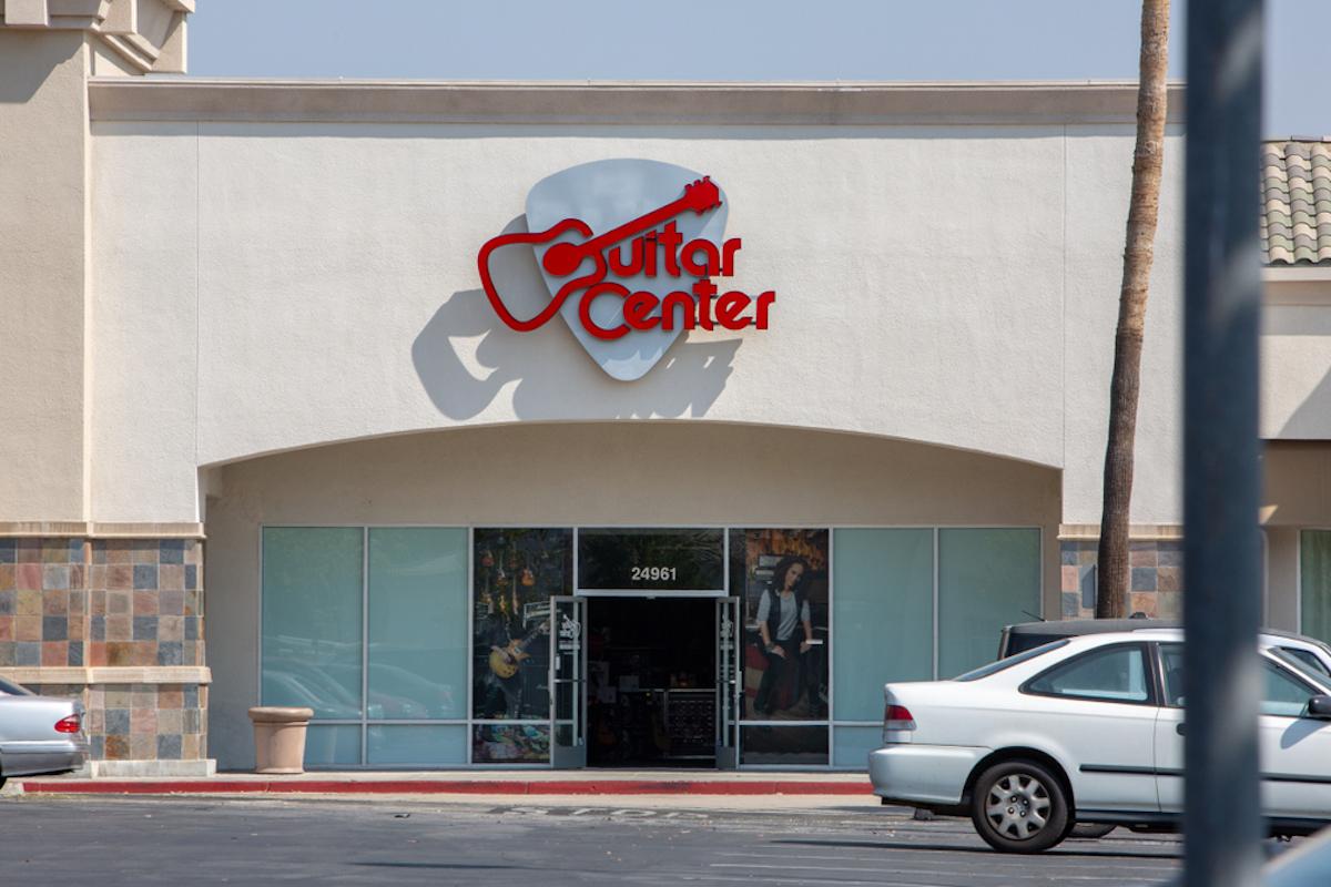 Guitar Center storefront in Santa Clarita, CA