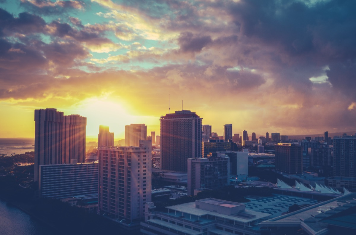 cityscape photo of Honolulu, Hawaii at sunrise