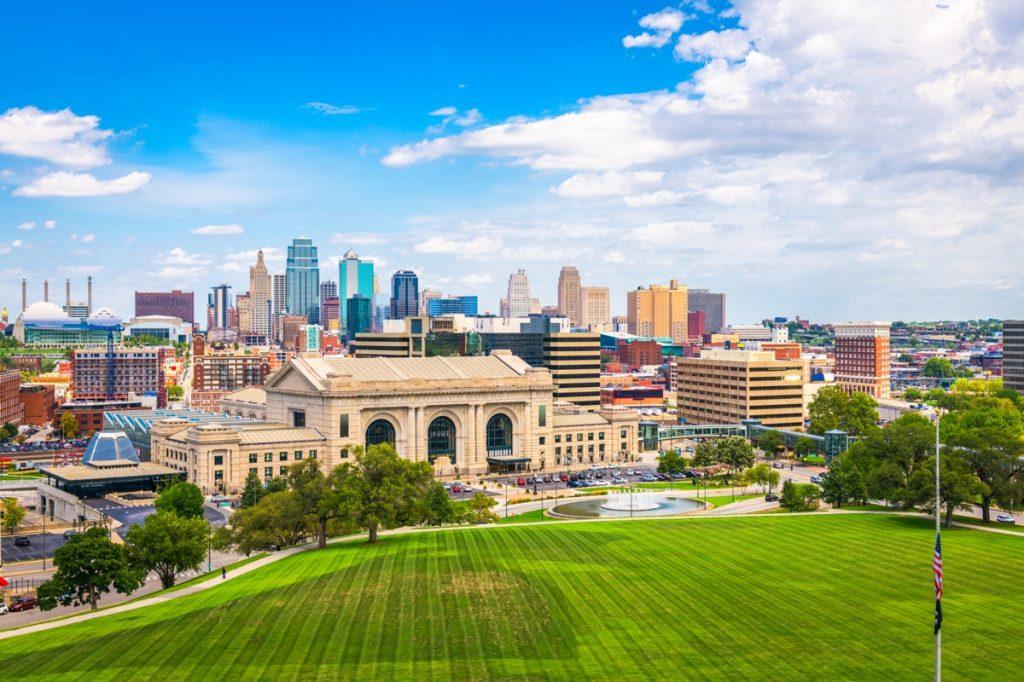 cityscape photo of Kansas City, Missouri