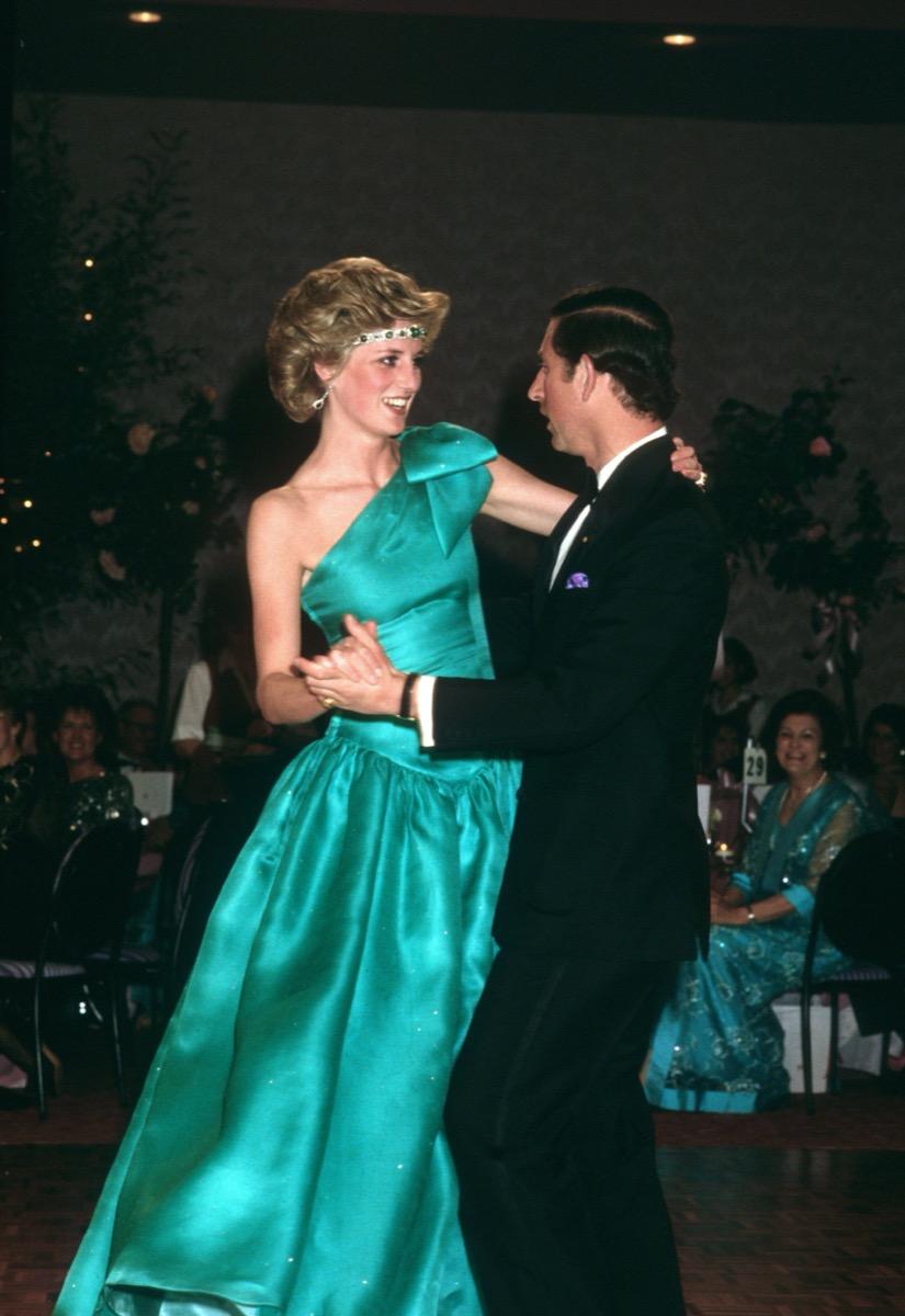 Princess Diana wears green dress while dancing with Prince Charles
